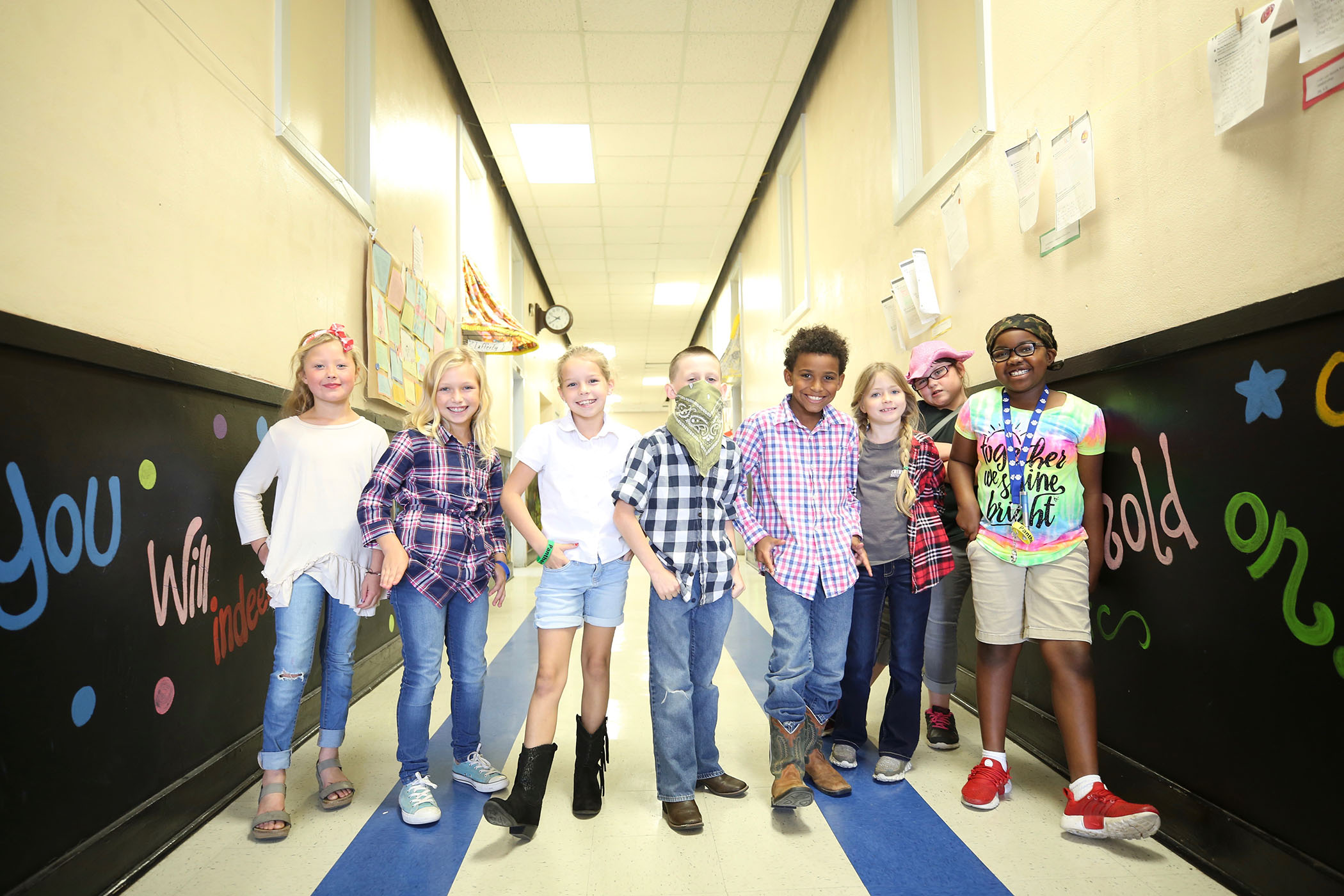 QUE students dress up as country and hip hop stars for Homecoming week.