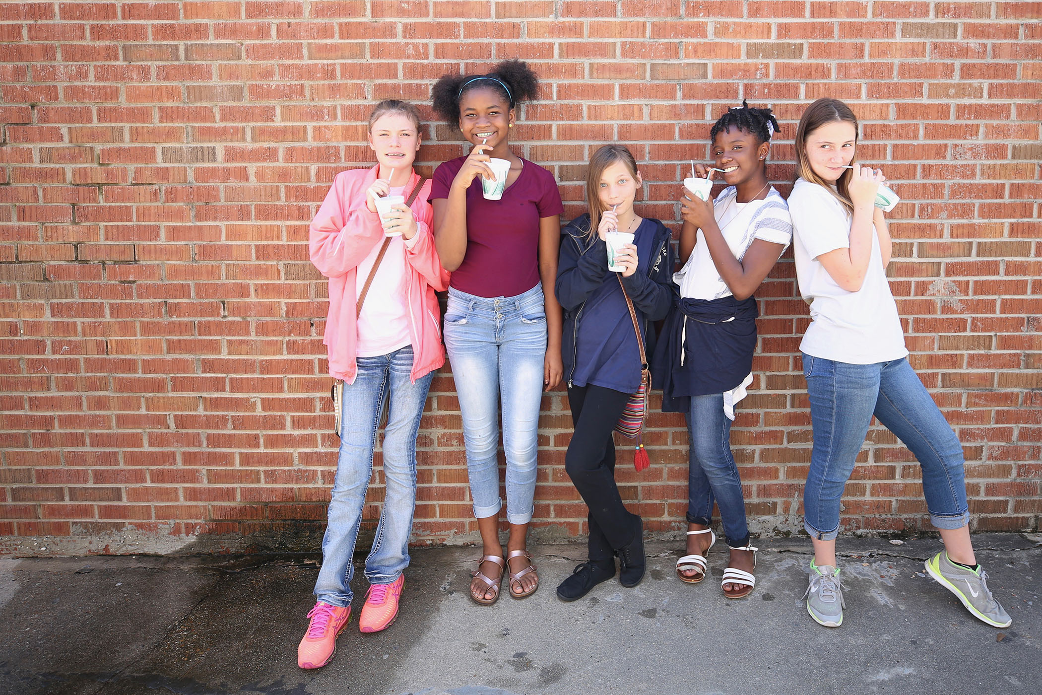 QJH students enjoy snow cones provided by the QJH PTO.