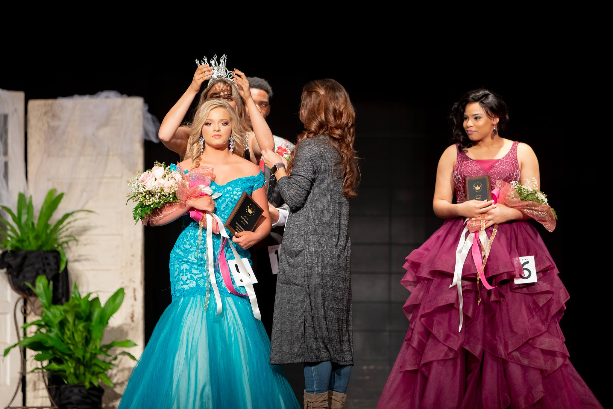 QHS crowned it's 2019 Beauties on Saturday, January 24th.