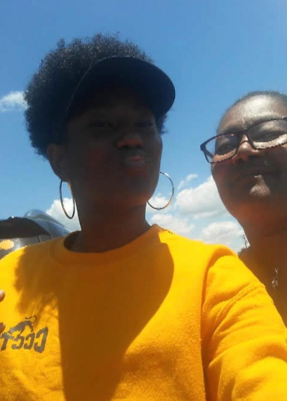 Boneisha poses with her mom.