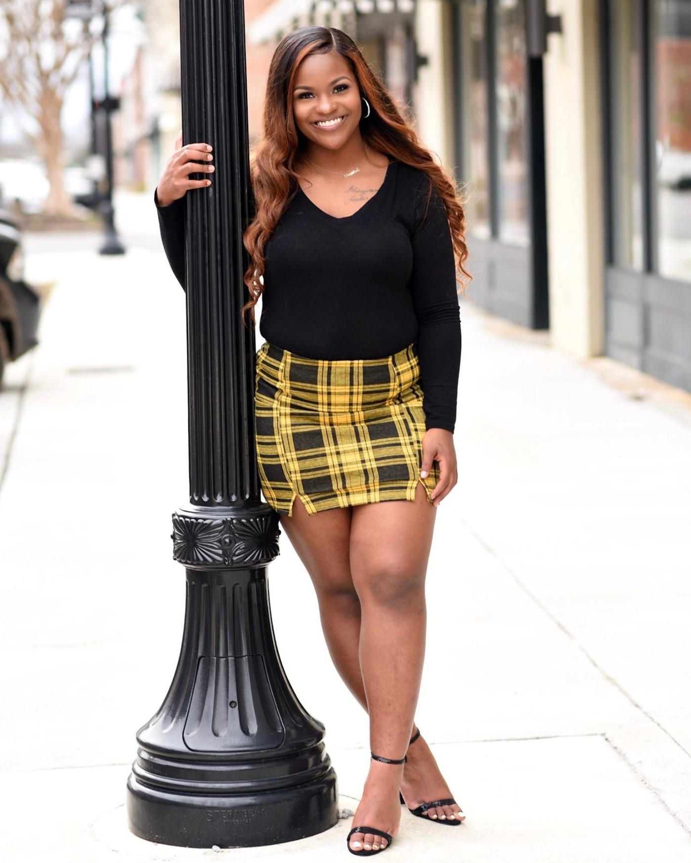 Shemiah poses for a senior photograph.