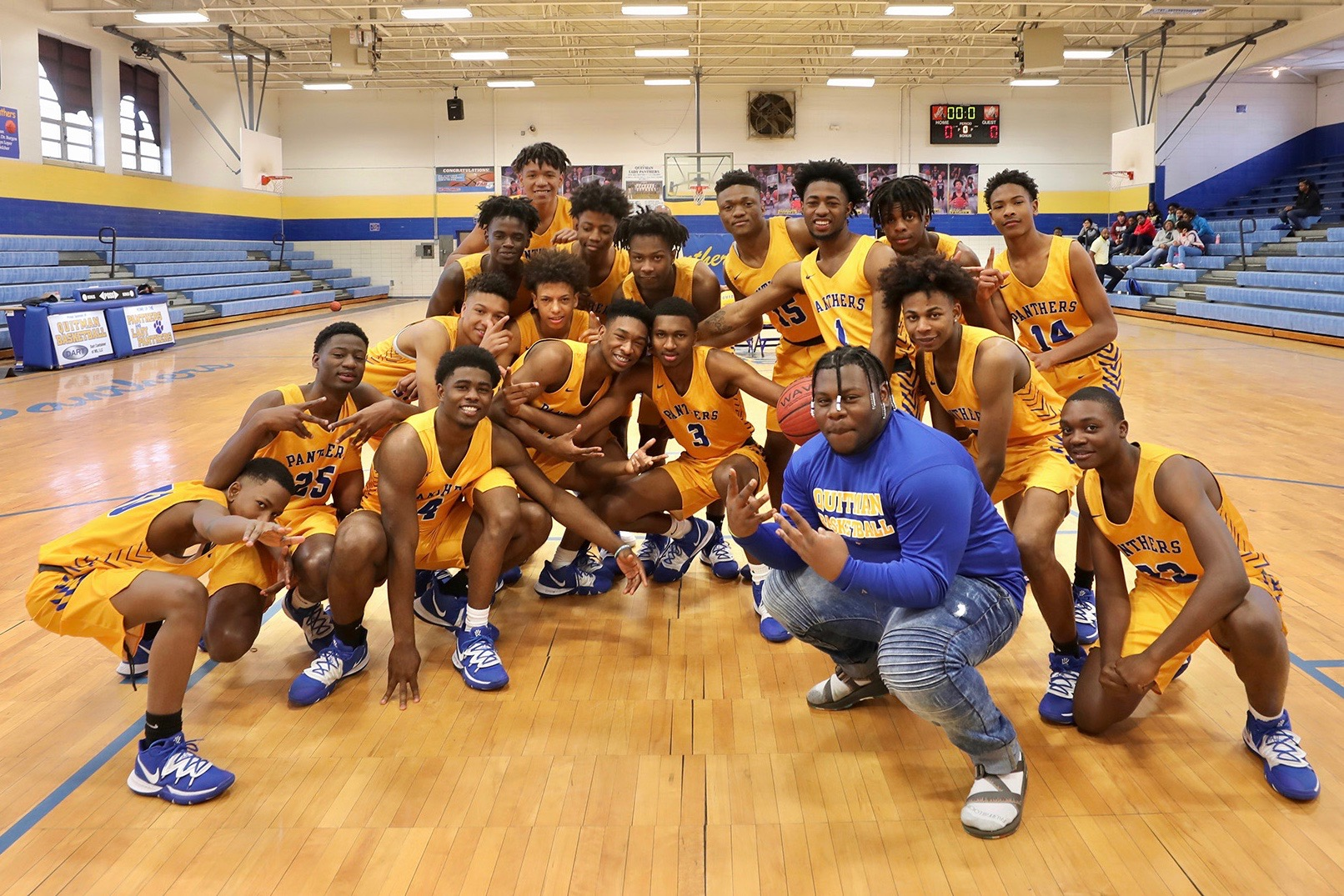 Panther Basketball poses for a photo.